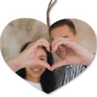 Een houten hart en 2 geliefdes